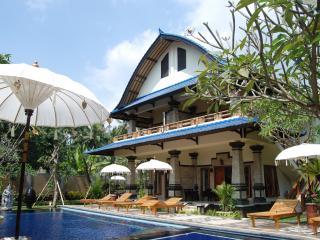 Bali Jegeg Villa - Lovina, Kaliasem