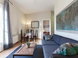 Gaudi-11: Large, bright apartment on Rambla Catalunya