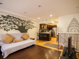 The Bushwick: 3BR 2BA Sleeps 8-12, NYC in 20 mins, Brooklyn