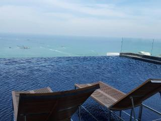 Beach road high rise luxury condo 309, Pattaya