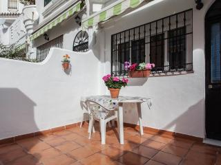 Great apartment with BBQ and near the sea, El Arroyo de la Miel