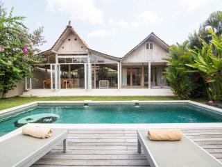 Villa Balimasan, Exotic and Luxurious, Seminyak