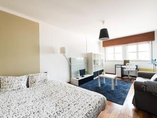 Lisbon BALCONY Penthouse  15th floor Views
