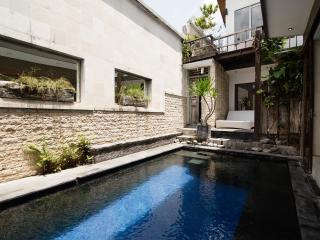 Villa Naree 2 with pool, Batubelig, Seminyak, Kuta