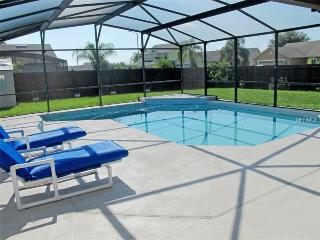 Casa Luna - Kissimmee 4 Bedroom 2 Bath, Pool, Wi-Fi