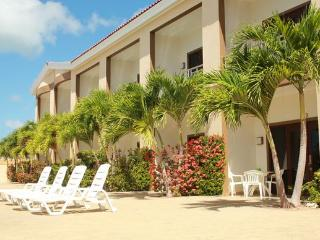 NO BOOKING FEE!!  5-STAR MODERN EAGLE BEACH CONDO AT GREAT RATES