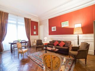 Spacious 1 Bedroom near Musee d'Orsay, 7th arr., Paris