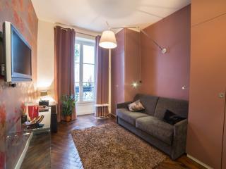 Central, luxury designer apartment. Free wi-fi!, Parijs