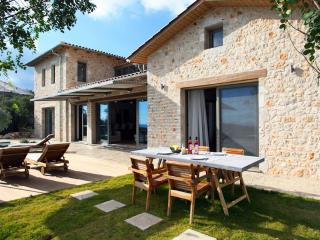 Luxury spacious villa with private pool,next to our own winery!