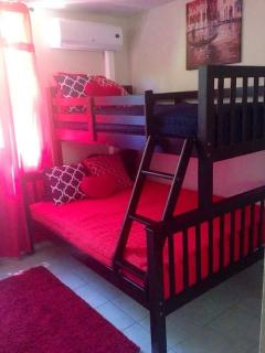 second guest room (1 twin bed and 1 full bed, A/C)