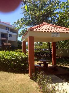 gazebo front apartment