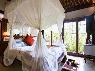 Rustic Luxury : Villa Shanti, Ubud