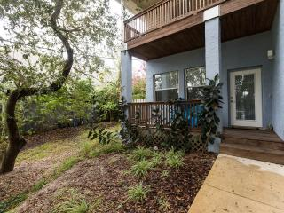Green Modern newer beach house with private heated pool