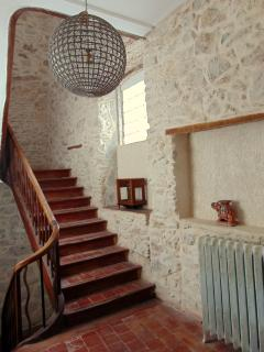 Ancient stone walls and grand staircases in Le Bobo