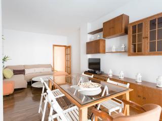 Valencia-Next To Pl. Catalunya-New Huge Beds, Barcelona