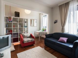 Cosy Penthouse in Taxim with a balcony, Estambul