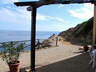 Isola d'Elba -100% Natura. Come in BARCA, a un TUFFO DAL MARE!