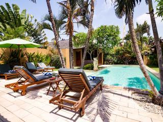 5 bedrooms Private Pools Villa, Seminyak