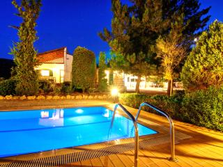 Villa Metochi - Homey Ambience, Comfort & Privacy only 2,5 km from Rethymno