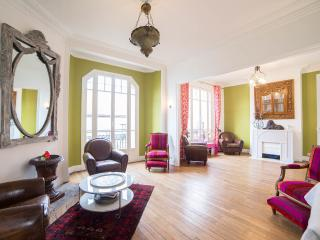 Tres Bel Appartement 1930 de 120 metres carres