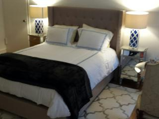 QUEEN SIZE BED AND TWIN BEDS AVAILABLE