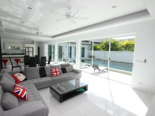 3 Bedroom Pool Villa, Kamala Paradise II