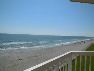 Luxury Oceanfront Villa 2 Pools, Folly Beach