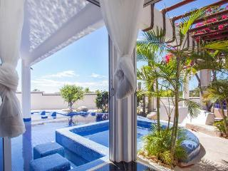 Beautiful villa with private pool and jacuzzi