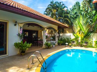 Luxurious 2 Bedroom Pool Villa - Coral Island, Nai Harn