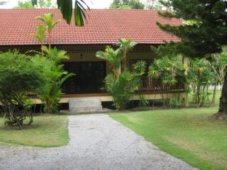 Andaman Residences Villa Garden View Pool Vila, Chalong