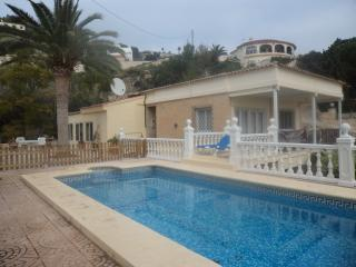 Calpe 5 bed Villa, Sleeps 10/12 own pool wi fi