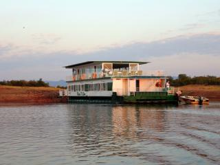 Return to Eden houseboat on Lake Kariba
