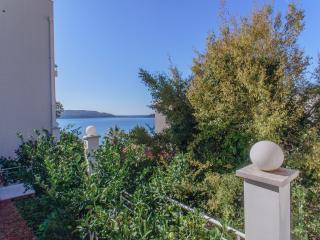Magnolia cozy apartment 50 m from sea line, Rafailovici