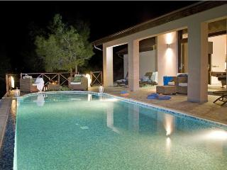 Luxury in Nature dream villa,heated pool,sea views, Latchi