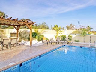 ANHAR9 - 3 bedroom villa in Ayia Napa center