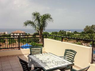 Beautiful 3BR Villa, Mature gardens, private pool