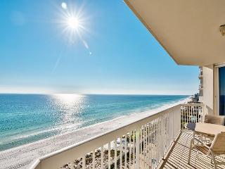 Beautiful Beachfront Sleeps 6! 10% OFF MARCH STAYS! CALL NOW!, Destin