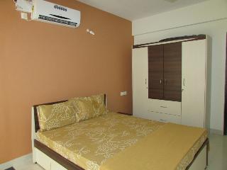 2BHK apartment in Candolim:CM011