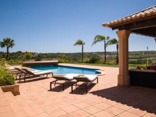Amendoeira Five Bedroom Superior Villa, Alcantarilha