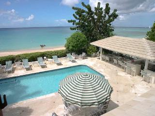 Oyster Bay, Saint James