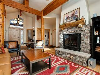 Luxury Log Cabin in Park City – Private Hot Tub!
