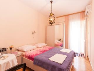 Rooms Ruza -Double Room with Balcony and Private External Bathroom