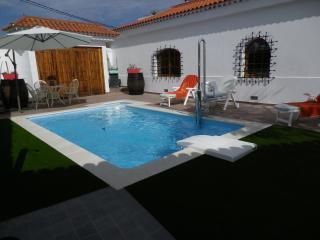 Villa con vistas al mar y piscina priv climatizada