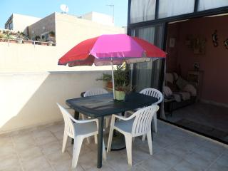 Charming Small Penthouse, sleeps 4, Bugibba