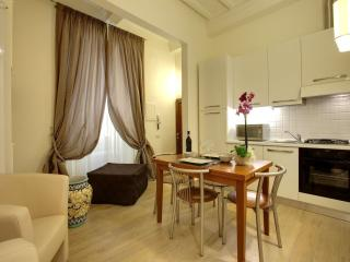 Al Bargello II apartment in Santa Croce with WiFi, airconditioning & balkon., Florence