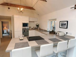 Luxury Cottage, Rural Views with Log Burner near Saundersfoot and Tenby