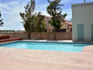 Spacious Urban Retreat w/ Pool, Hot Tub & Mountain Views