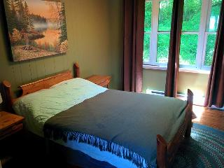 Beautiful Rustic Cottage w Perfect Colpoy Bay View, Wiarton