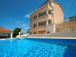 TH00771 Apartments Jaka / Two bedrooms A4, Podstrana