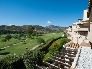 Capanes del Golf  2 Bed Luxury Apartment Frontline, Benahavís